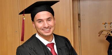 تهنئة إلى إبن البركانيين عصمان قريني إثر حصوله على الدكتوراه بألمانيا