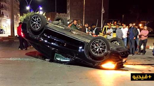 الناظور.. إنقلاب سيارة رباعية الدفع بوسط شارع 80 بعد إصطدامها بسيارة خفيفة
