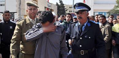 """إعتقال لص حاول سرقة هاتف نقال أمام مسجد """" الحاج مصطفى """" بالناظور"""