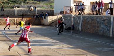 إعدادية تازغين تختتم دوريها الرابع للأندية في كرة القدم