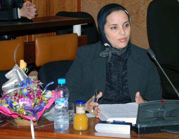 ابنة الناظور سميرة بوقويت تنال شهادة الدكتوراه بأطروحة تدبير الإستثمارات