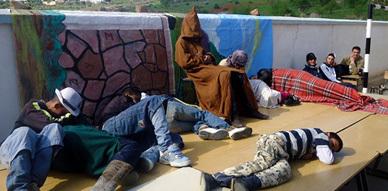 فرقة مولاي موحند للمسرح الأمازيغي في جولة مسرحية بجماعة اسنادة