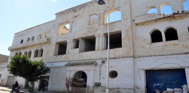 بناية آيلة للسقوط موضوع احتجاج ساكنة الحيين المدني والعسكري بالناظور