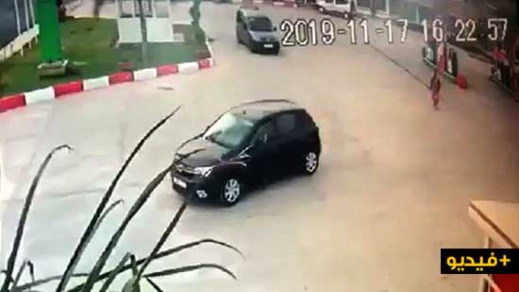 شاهدوا الفيديو.. كاميرا المراقبة ترصد سائق سيارة يفر من محطة للوقود بتزطوطين بعد تزوده بالبنزين