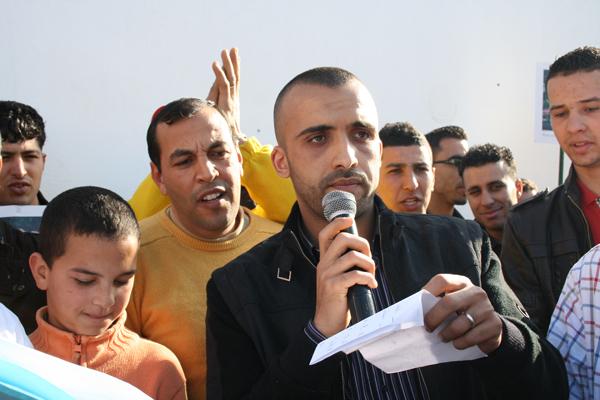 نسيج جمعوي بالعروي مكون من 25 جمعية يدين في وقفة تضامنية الإعتداء الذي تعرض مصطفى المنصوري وأعضاء المجلس البلدي