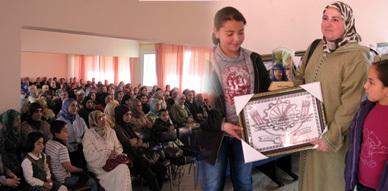 فرع النقابة الوطنية للتعليم بالناظور يحتفل بنسائه على هامش عيدهن الأممي