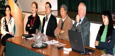 خبراء في ندوة معهد المغرب بلاهاي يناقشون العنصرية وسياسة التقشف
