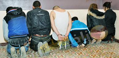تفكيك عصابة إجرامية خطيرة تتكون من أربعة أشخاص وشقيقتين خلال مطاردة أمنية بمساعدة مواطنين بمدينة أزغنغان