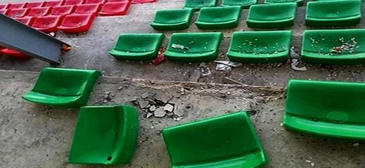 آلة التخريب البشرية تطال كراسي الملعب البلدي للدريوش ورياضيون يطالبون بفتح تحقيق لتحديد هوية الفاعلين