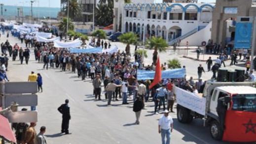 """منتمون للإتحاد المغربي للشغل بالناظور يتجهون لتشبيب القيادة و""""صقور"""" النقابة يقفون ضد هذا التوجه"""