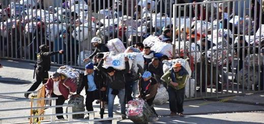حقوقيون: إعادة الحكومة للتهريب في باب الثغر المحتل رضوخ للضغوطات الإسبانية