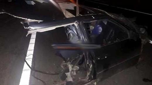 بالصور.. مصرع شخص في حادث إصطدام 3 سيارات عند مدخل الطريق السيار بصاكة