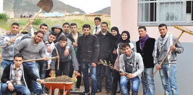 الثانوية التأهيلية حسان بن ثابت بزايو تنظم يوما تحسيسيا حول المحافظة على البيئة