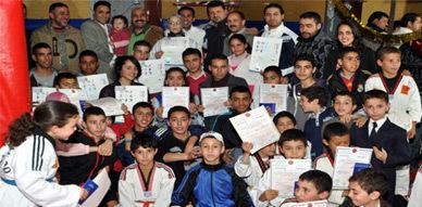 جمعية أبطال الناظور تسلّم الأحزمة والشواهد على أبطالها في حفل بهيج