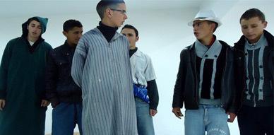 """فرقة مولاي موحند للمسرح الأمازيغي تقدم مسرحية """"ثوذاث إمسعان"""" بجماعة زاوية سيدي عبد القادر"""