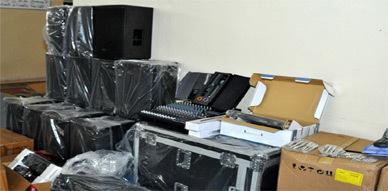 الإتحـاد الجهوي للصحافة الإلكترونية بالريف يطلع عـلى أشغال الصيانة بالقاعة المغطاة للرياضات بـالناظور