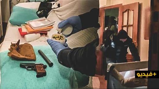 شاهدوا بالفيديو.. توقيف 17 شخصا وحجز 3 أطنان ونصف من المخدرات وعدد من القوراب المخصصة للتهريب