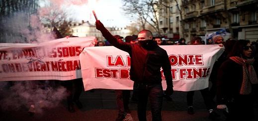 بالفيديو.. شلل في حركة النقل بباريس مع استمرار الإضراب لليوم السادس في كامل فرنسا