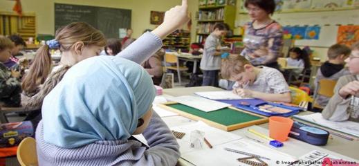 ولاية ألمانية تتخلى عن حظر الحجاب للفتيات في المدراس الابتدائية ودور الحضانة