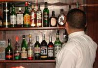الحكومة المغربية تحارب الخمور والسجائر الفخمة