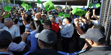 مطالب بمدينة مليلية السليبة لتبسيط إجراءات تجديد البطاقة الخضراء