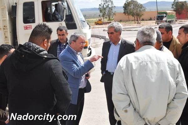 عامل إقليم الناظور يقف على تقدم أشغال المشاريع الملكية بمدينة زايو ويتواصل مع ساكنتها