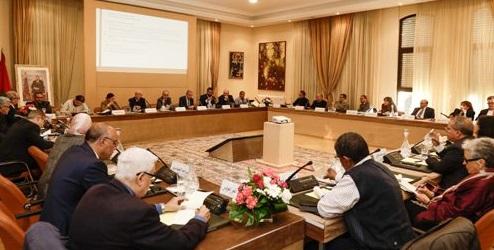 اللجنة الخاصة بالنموذج التنموي تقرر  الاستماع للمؤسسات والقوى  الحية بداية السنة المقبلة