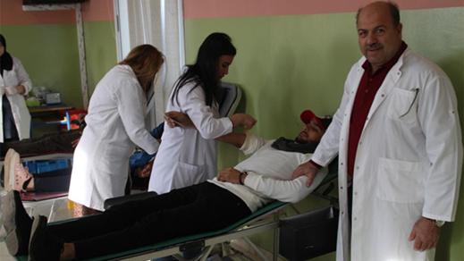قطرة دم تساوي حياة.. شعار حملة إنخرط في إنجاحها 130 متبرع ومتبرعة بالدم بزايو