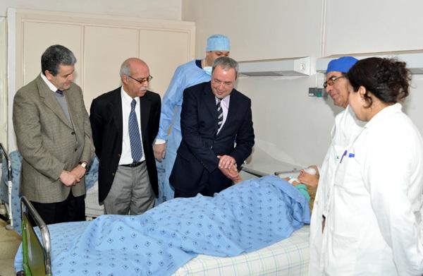 """حملة طبية بالمستشفى الحسني بالناظور تستهدف 60 شخص من الفئة المعوزة من مرضى """"الجلالة"""""""