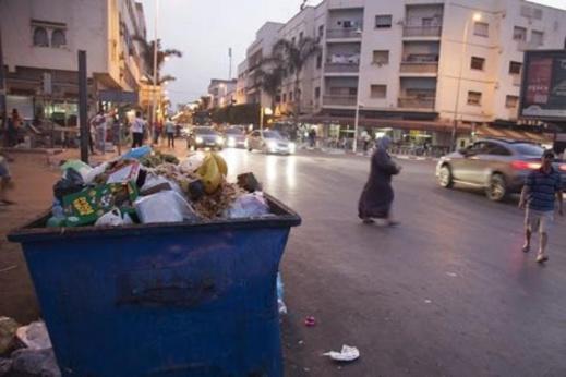 عامل نظافة يحذر سلطات الناظور من ممارسات نقابية تروم عرقلة انطلاقة الشركة الفائزة بصفقة النظافة