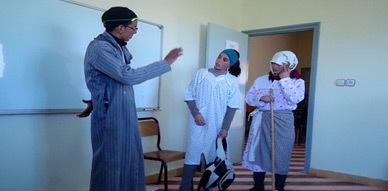 """فرقة مولاي موحند للمسرح الأمازيغي بآيث حذيفة تقدم عرضها العاشر لمسرحية """"ثوذاث إمسعان"""""""