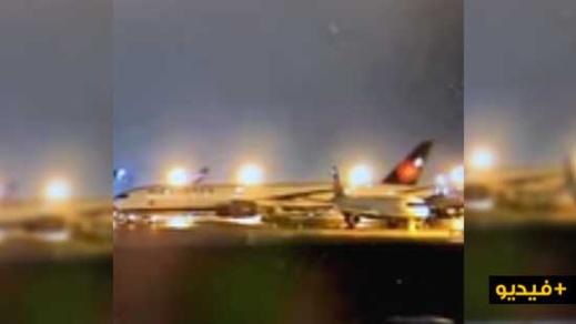 شاهدوا بالفيديو.. لحظة اصطدام عرضي بين طائرتين على مدرج المطار