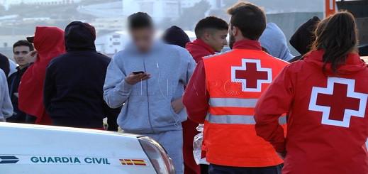 الشرطة الإسبانية تعلن إنقاذها لــ6 مهاجرين مغاربة من وسط البحر