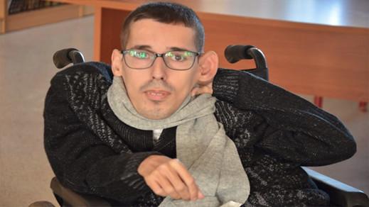 الفاعل الجمعوي والحقوقي عادل احكيم يوجه رسالة الى العثامني والمصلي حول توضيفات الأشخاص في وضعية اعاقة