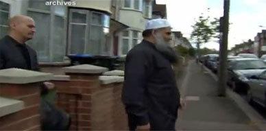 """""""القاعدة"""" المغاربية تعرض على لندن صفقة بشأن تسليم أبي قتادة"""