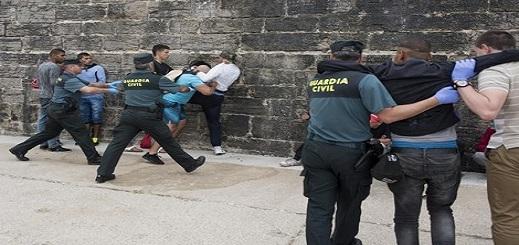 هيئآت حقوقية تندد بالترحيل غير القانوني للمهاجرين من إسبانيا نحو المغرب