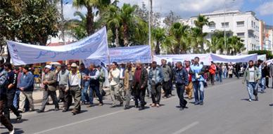 العمال بالناظور والدريوش يخلدون عيدهم  الأممي على إيقاع المطالبة بتحسين الوضعية الإجتماعية وتنزيل مضامين الدستور الجديد
