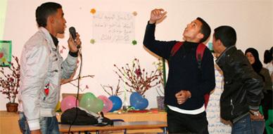 نادي البيئة بالثانوية التأهيلية ابن الهيثم بالعروي ينظم أمسية فنية وتربوية