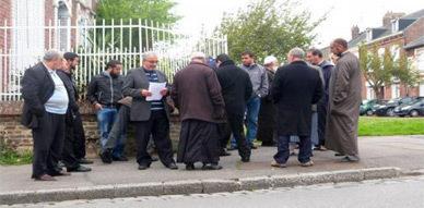 مُسِنَّانِ ينحدران من آيث سعيذ يتعرضان لاعتداء عنصري بمدينة أميان الفرنسية