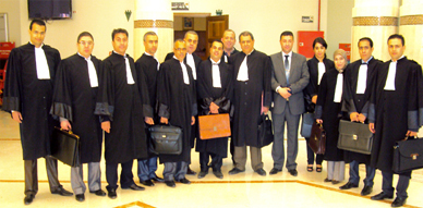نقيب هيأة المحامين بالناظور يقدٌم المحامين المتمرنين لإستفاء اليمين القانونية