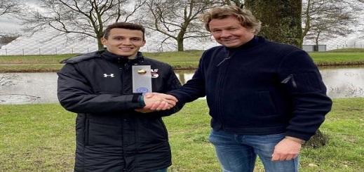 الدولي الناظوري أسامة الإدريسي يحرز جائزة أفضل لاعب بهولندا
