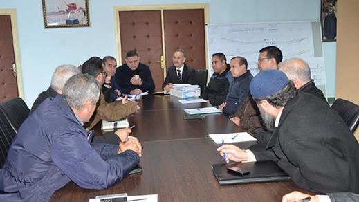 مجعيط واعضاء جماعة الناظور يجتمعون  مع مدير الماء للصالح للشرب لمناقشة الأشغال التي تعرفها الناظور