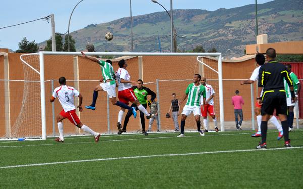 هلال الناظور لكرة القدم  يتشبث بحظوظه في تفادي النزول رغم هزيمته القاسية أمام شباب خنيفرة