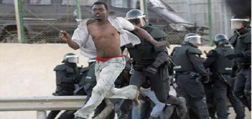 مهاجرون أفارقة يرسلون مسؤولا أمنيا إلى مستعجلات الناظور بعد محاولة اقتحامهم حدود مليلية