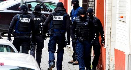 """مسلح يطعن شخصين بمدينة """"غنت"""" البلجيكية"""