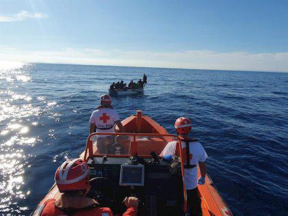 وصول 7 مغاربة إلى إسبانيا انطلقوا من بويفار على متن قارب مطاطي