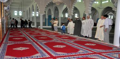 مندوبية الأوقاف والمجلس العلمي بالناظور يشرفان على عملية تفريش مسجد أولاد ابراهيم