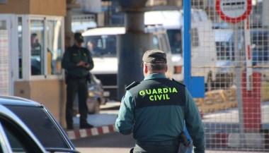 14 سجنا لمسؤول في الأمن الإسباني ساعد مهربي المخدرات من المغرب