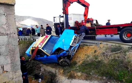 إصابة ركاب سيارة أجرة في حادثة سير مروعة قرب الحسيمة