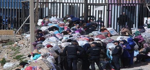تشديد المراقبة على تهريب الملابس المستعملة بمعبر باريو تشينو